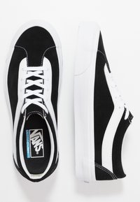 Vans - BOLD - Joggesko - black/true white - 1