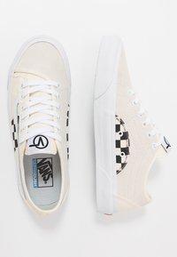 Vans - BESS  - Obuwie deskorolkowe - classic white/true white - 1