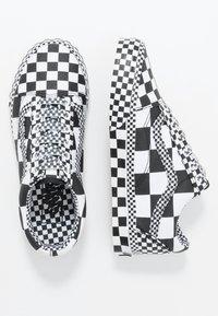 Vans - OLD SKOOL - Joggesko - black/true white - 1