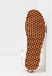 Vans - STYLE 36 - Sneakers laag - amberglow/marigold - 4