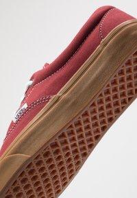 Vans - ERA - Sneakersy niskie - rosewood/true white - 6