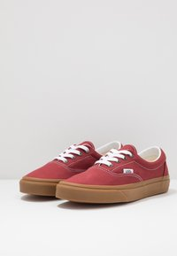 Vans - ERA - Sneakersy niskie - rosewood/true white - 2