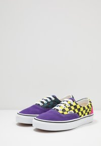 Vans - ERA - Sneakers basse - fuschia purple/multi/true white - 2
