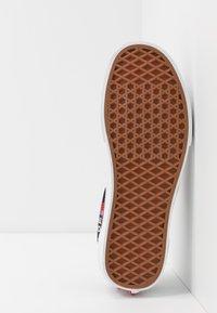 Vans - ERA - Sneakers laag - black/red/true white - 4