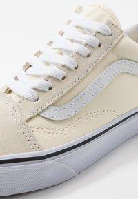 Vans - OLD SKOOL - Skateskor - classic white/true white - 6