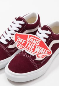 Vans - OLD SKOOL - Skateschoenen - port royale - 5