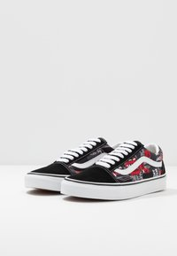 Vans - OLD SKOOL - Skate shoes - black/red/true white - 2
