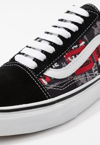 Vans - OLD SKOOL - Skate shoes - black/red/true white - 6