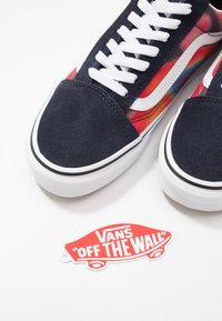 Vans - OLD SKOOL - Skate shoes - multicolor/true white - 5