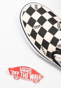 Vans - CLASSIC - Slip-ons - black/navy - 5