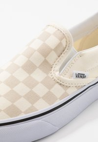 Vans - CLASSIC - Slip-ons - classic white/true white - 6