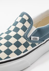 Vans - CLASSIC - Nazouvací boty - blue mirage/true white - 6