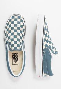 Vans - CLASSIC - Nazouvací boty - blue mirage/true white - 1
