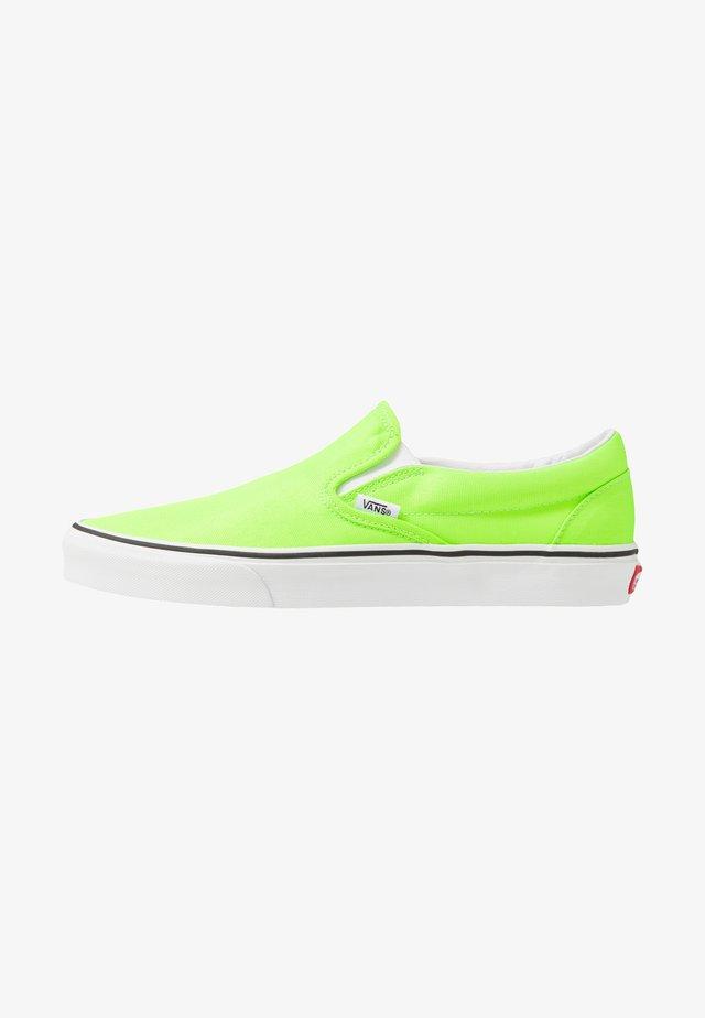 CLASSIC - Mocassins - green gecko/true white