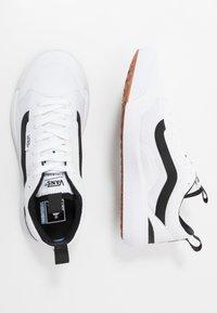 Vans - ULTRARANGE EXO - Sneakers basse - white - 1