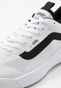 Vans - ULTRARANGE EXO - Sneakers basse - white - 6