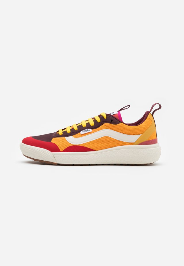 ULTRARANGE EXO - Matalavartiset tennarit - multicolor/bright marigold/antique white