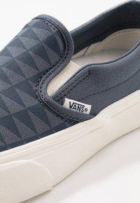 Vans - CLASSIC - Nazouvací boty - orion blue/marshmallow - 6