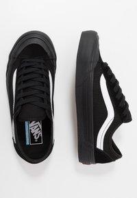 Vans - STYLE 36 DECON - Skate shoes - black/white - 1