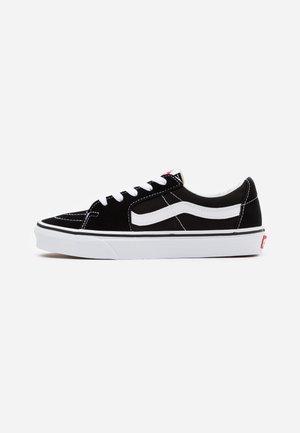 SK8 - Sneakersy niskie - black/true white