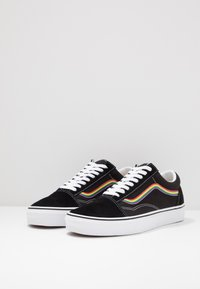 Vans - OLD SKOOL - Trainers - black/multicolor/true white - 2