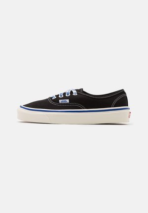AUTHENTIC 44 DX UNISEX - Sneakersy niskie - black/offwhite