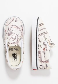 Vans - CLASSIC SLIP ON HARRY POTTER - Mocassins - marauders map/classic white - 0