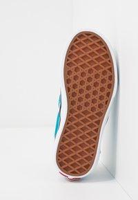 Vans - CLASSIC - Scarpe senza lacci - caribbean sea/true white - 5