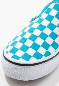 Vans - CLASSIC - Scarpe senza lacci - caribbean sea/true white - 2