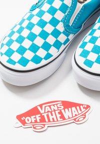 Vans - CLASSIC - Scarpe senza lacci - caribbean sea/true white - 6