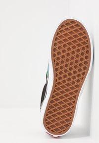 Vans - CLASSIC - Scarpe senza lacci - multicolor/true white - 5