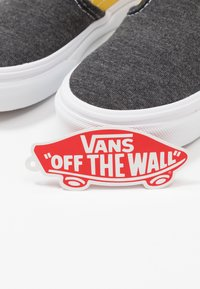 Vans - CLASSIC - Scarpe senza lacci - black/true white - 6