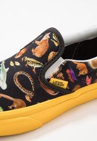 Vans - CLASSIC - Scarpe senza lacci - multicolor - 2