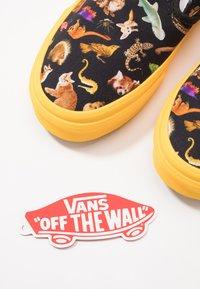 Vans - CLASSIC - Scarpe senza lacci - multicolor - 6
