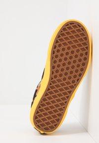 Vans - CLASSIC - Scarpe senza lacci - multicolor - 5