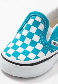 Vans - SLIP-ON - Baskets basses - caribbean sea/true white - 2