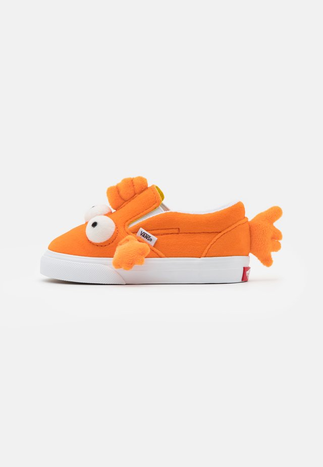 THE SIMPSONS FISH UNISEX - Slip-ons - orange