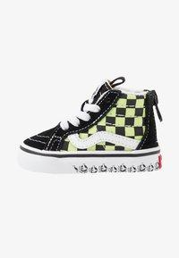 Vans - SK8 ZIP - Sneakers hoog - black/sharp green - 1