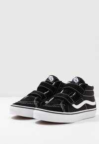 Vans - SK8 MID - Sneaker high - black/true white - 3