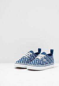 Vans - AUTHENTIC ELASTIC LACE - Scarpe senza lacci - true blue/true white - 2