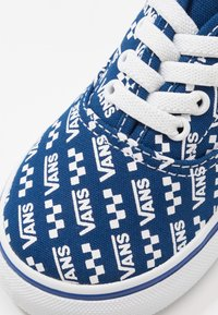 Vans - AUTHENTIC ELASTIC LACE - Scarpe senza lacci - true blue/true white - 5