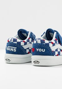 Vans - COMFYCUSH OLD SKOOL  - Zapatillas - true blue - 7