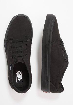 VULCANIZED - Sneakers basse - black