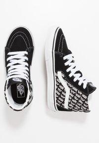 Vans - SK8 - Sneaker high - black/true white - 0