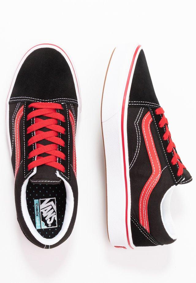 COMFYCUSH OLD SKOOL - Sneakers laag - black/red