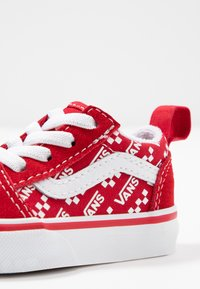 Vans - OLD SKOOL ELASTIC LACE - Matalavartiset tennarit - racing red/true white - 2