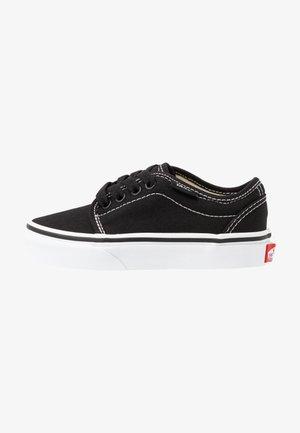 106 VULCANIZED - Skateschuh - black/true white