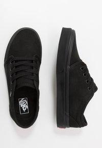 Vans - 106 VULCANIZED - Scarpe skate - black - 0