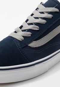 Vans - OLD SKOOL - Trainers - dress blues/drizzle - 2