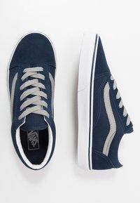 Vans - OLD SKOOL - Trainers - dress blues/drizzle - 0